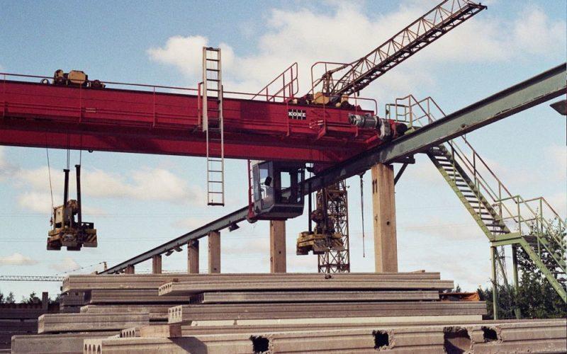 Мостовые краны: особенности и характеристики